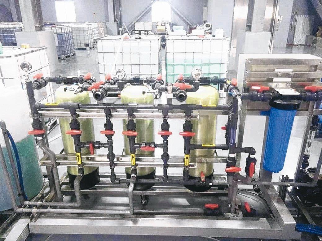 展騰高濃度化鎳廢液吸附測試機。展騰/提供