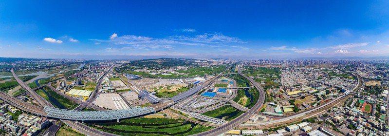 台中市政府去年決算出爐,土地增值稅收入大增,決算盈餘近5億元,這是台中縣市合併10年來首次的盈餘。圖/台中市新聞局提供