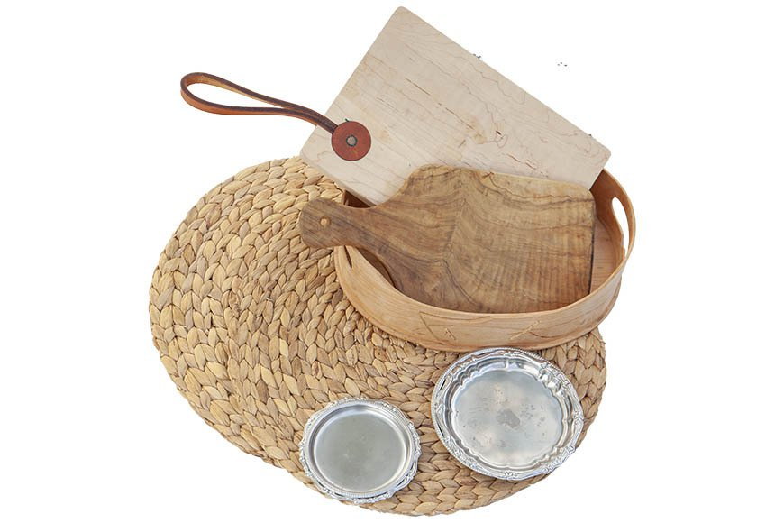 Ashley 建議準備一兩組量輕且硬質的托盤如木質托盤,置放食物很方便 圖/郭宏...