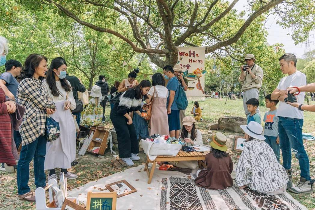 活動兩日除了逛遊市集,音樂、藝文表演不停歇。 圖/灰熊綠展集提供