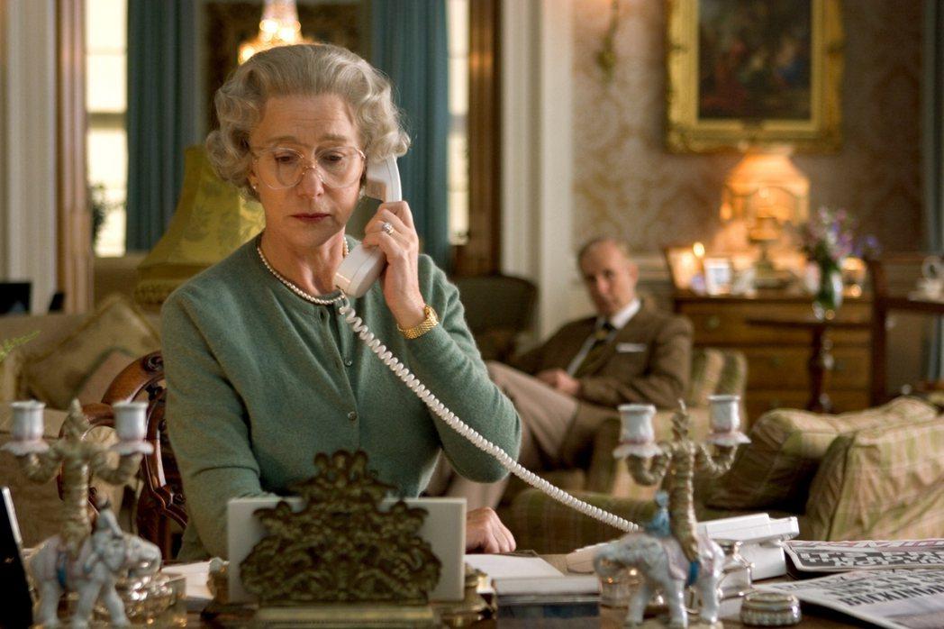 早在2006年,《王冠》編劇Peter Morgan便曾以黛妃意外身亡,創作電影...