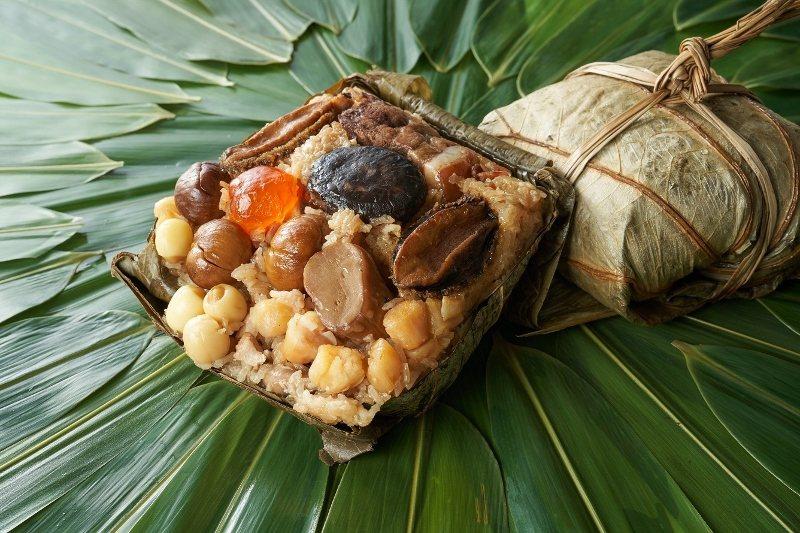 重量級的「吉利八寶裹蒸粽」。 台北福華/提供