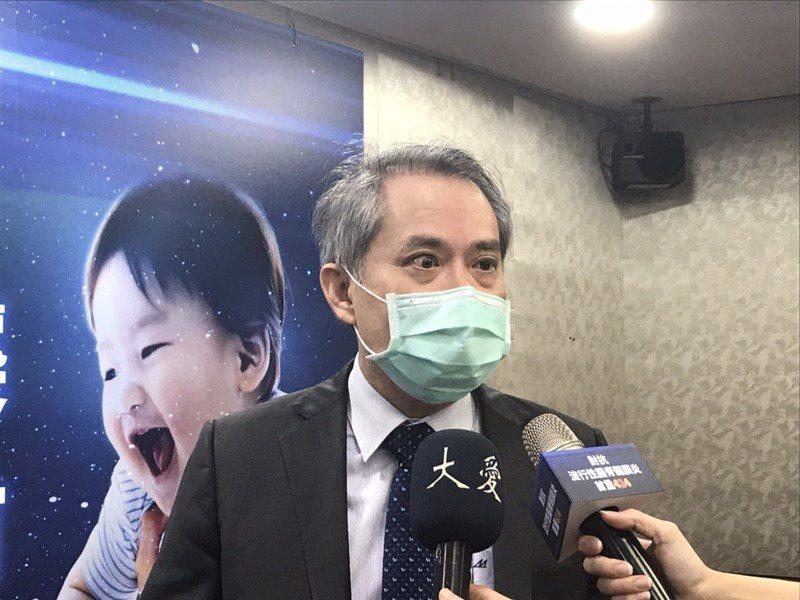 台灣兒童感染症醫學會理事長邱南昌表示,流行性腦脊髓膜炎惡化速度極快,若缺乏立即治療,每2人中會有1人死亡。(photo by臧品安/台灣醒報)