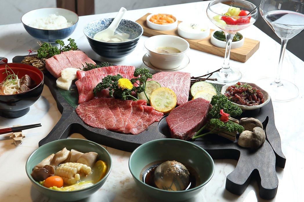 令和元年雙人套餐,每套8,800元。記者陳睿中/攝影