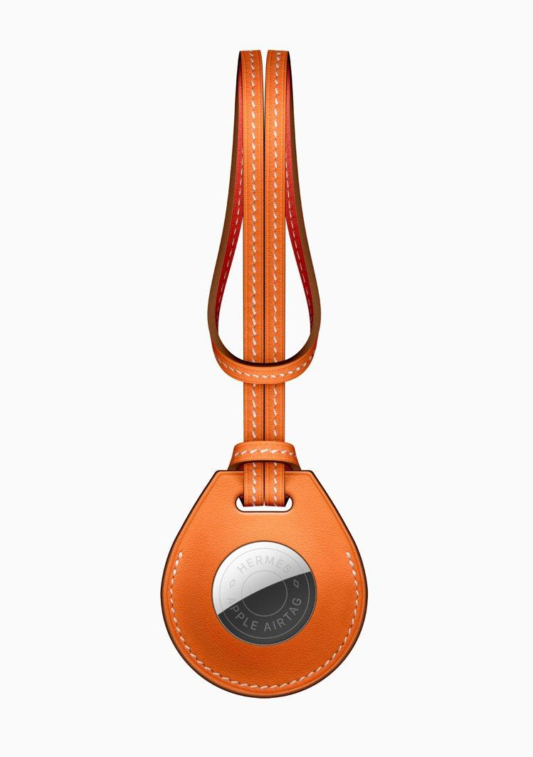 同步推出AirTagHermès特別版,內含手工皮革配件,包括手袋吊飾,鑰匙扣,...