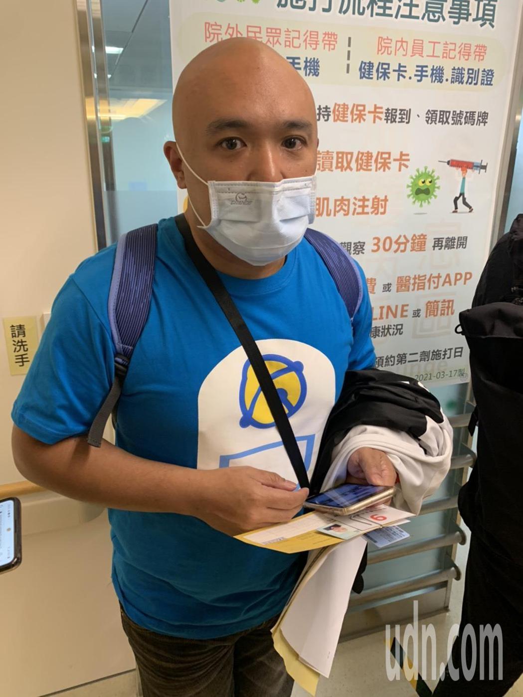來自菲律賓的胡尤金表示,菲律賓到現在尚無法取得疫苗,台灣能夠接種,讓他相當開心。...