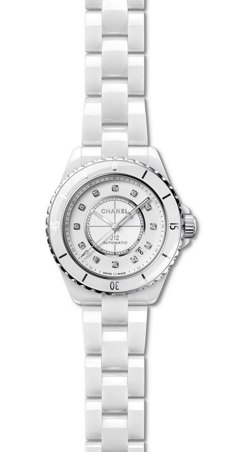 J12腕表,38毫米白色抗磨精密陶瓷搭配精鋼表殼搭配12顆鑽石時標、Calibe...