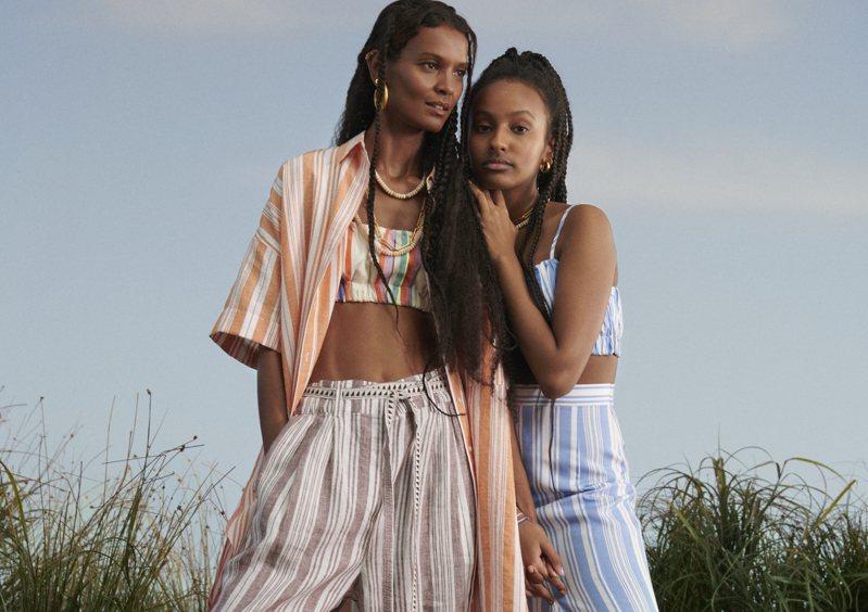 H&M推出與名模Liya Kebede的時尚品牌lemlem聯名系列,利用豐富色彩和簡約的色彩,打造了「療癒系」女裝。圖/H&M提供