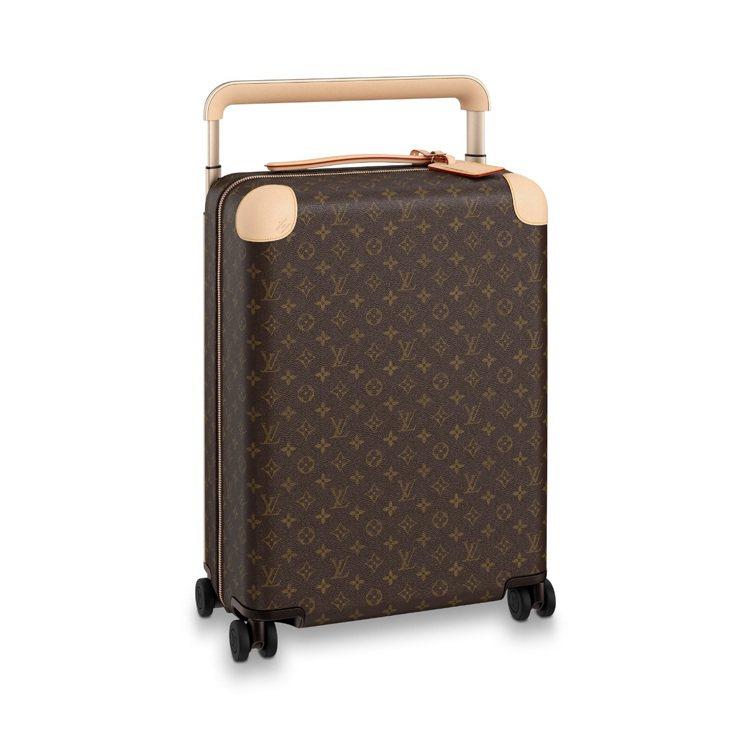 劉嘉玲選用的路易威登Horizon硬殼行李箱類似款,11萬3,000元。圖/LV...