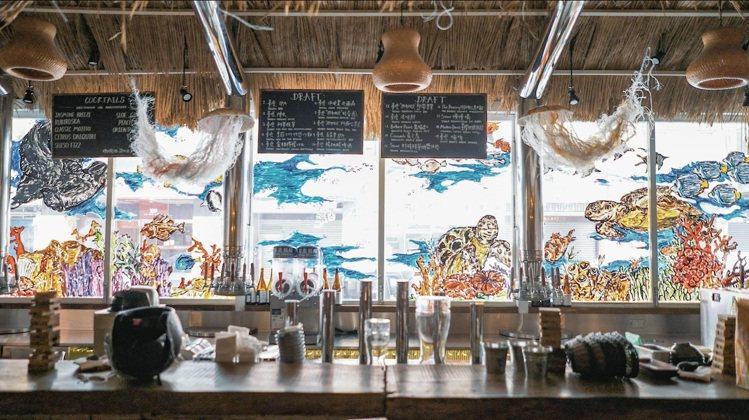 以漂流木為主題的Driftwood西門町,不只提供臺虎精釀啤酒,更有紅白酒、調酒...