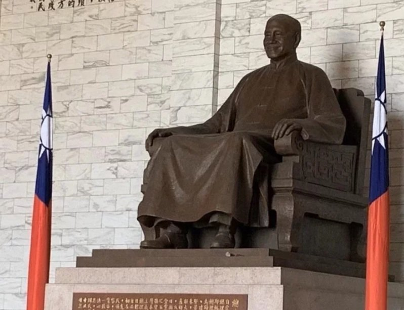 蔣中正銅像示意圖。圖/本報資料照
