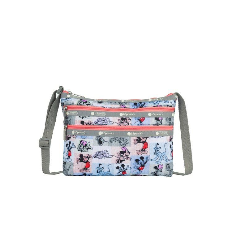 米奇馬賽克三層拉鍊包,3,500元。圖/LeSportsac提供