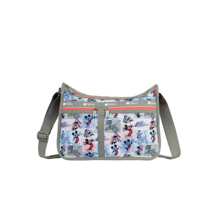 米奇馬賽克奢華斜背包,5,850元。圖/LeSportsac提供