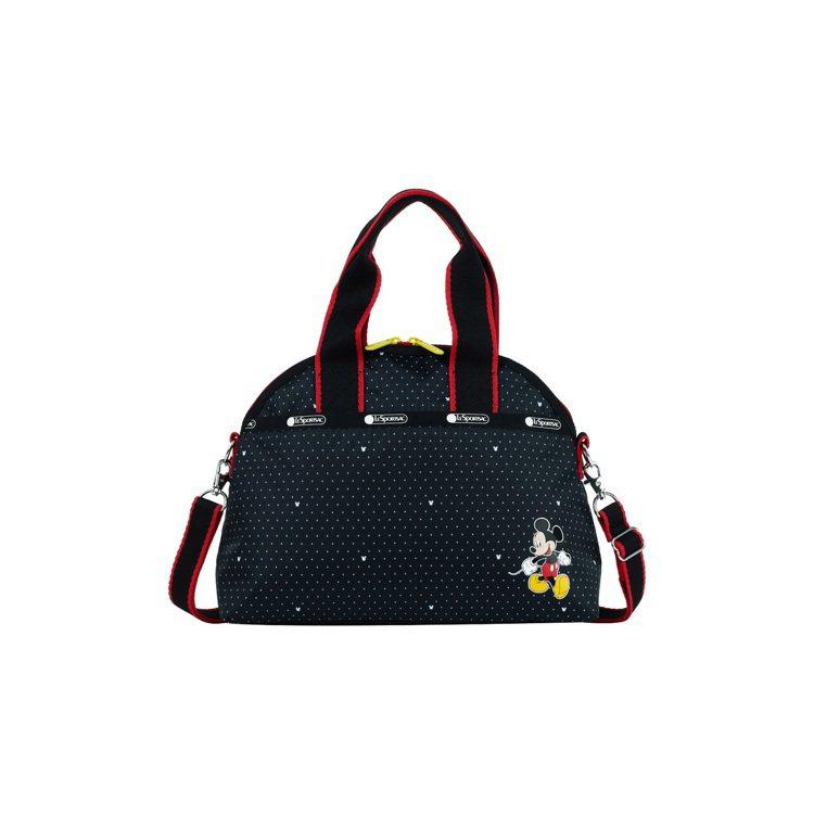 米奇點點半圓手提包,4,850元。圖/LeSportsac提供