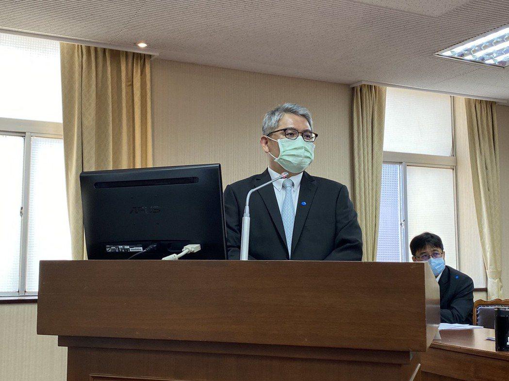 內政部次長花敬群證實,在嘉市東區另找到2處具潛在可行性的用地,會指示加速評估可否...