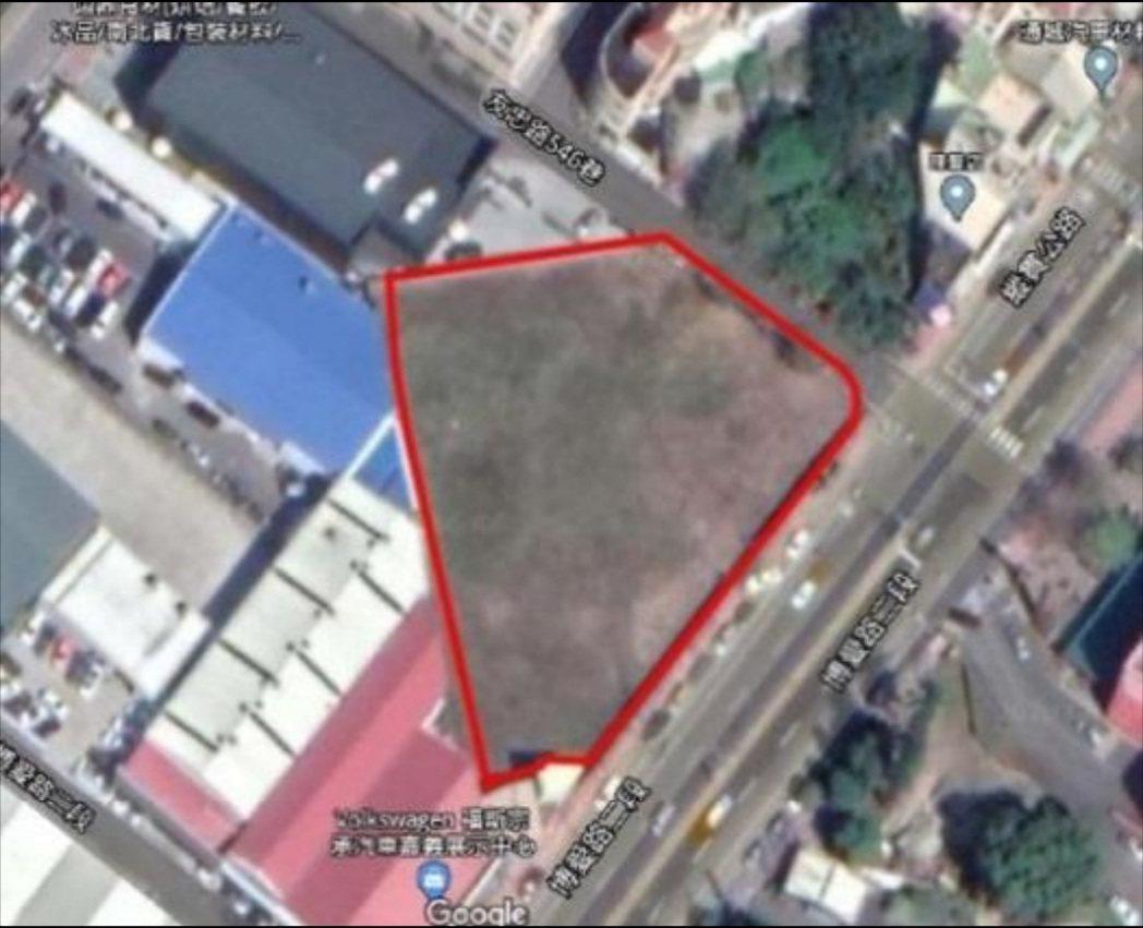 嘉義市預定興建社會住宅的基地,在西區博愛路二段邊、大潤發的對面。記者林伯驊/翻攝