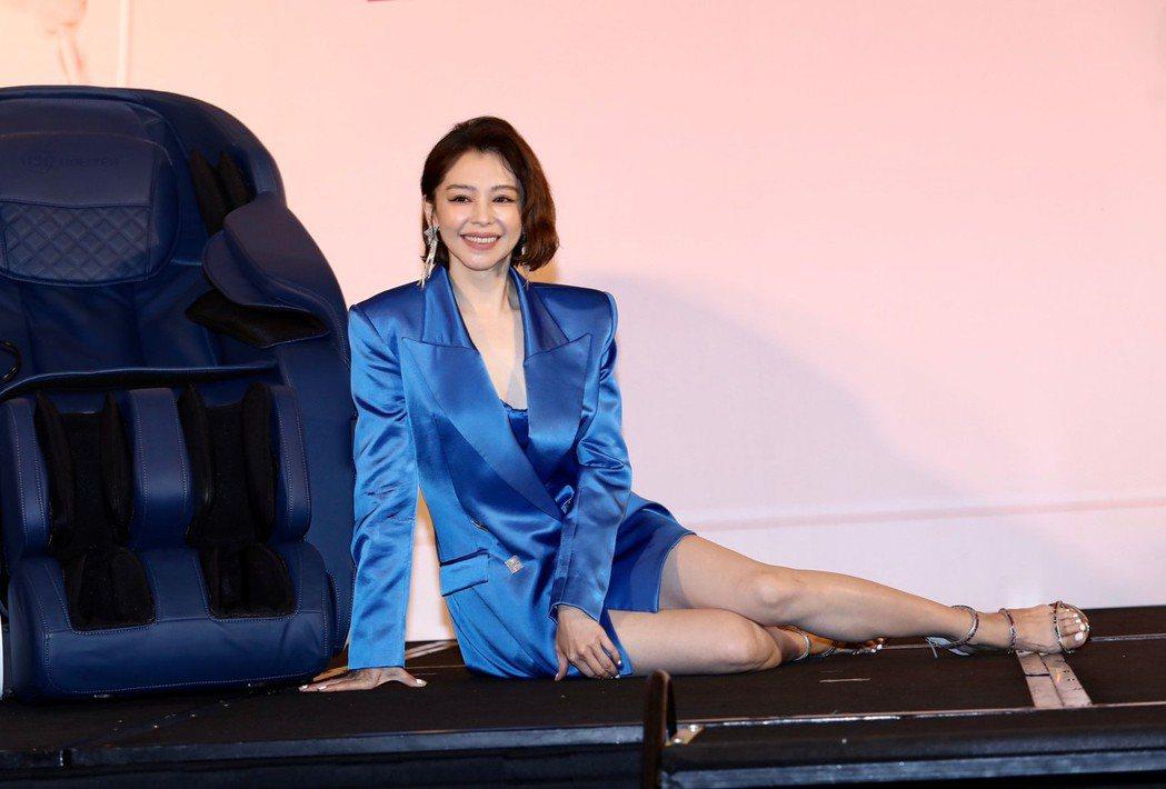 徐若瑄代言按摩椅。記者李政龍/攝影