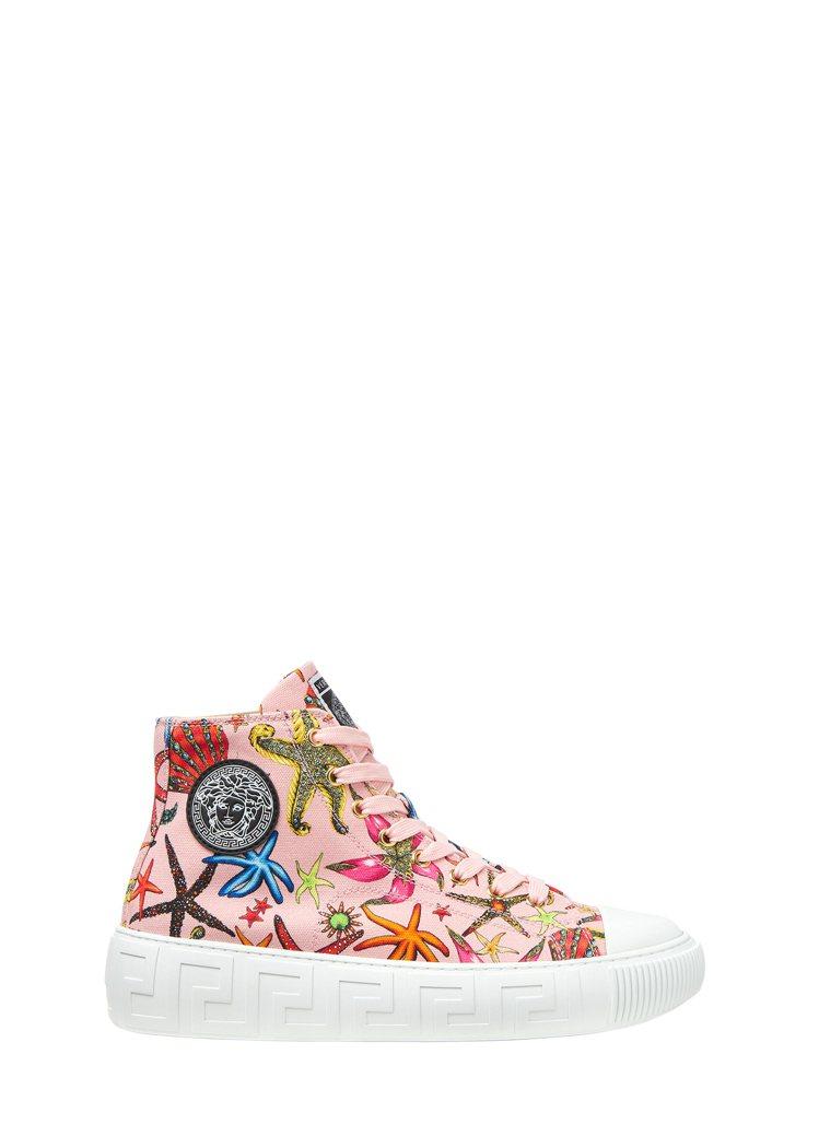 粉色印花高筒休閒鞋,價格店洽。圖/Versace提供