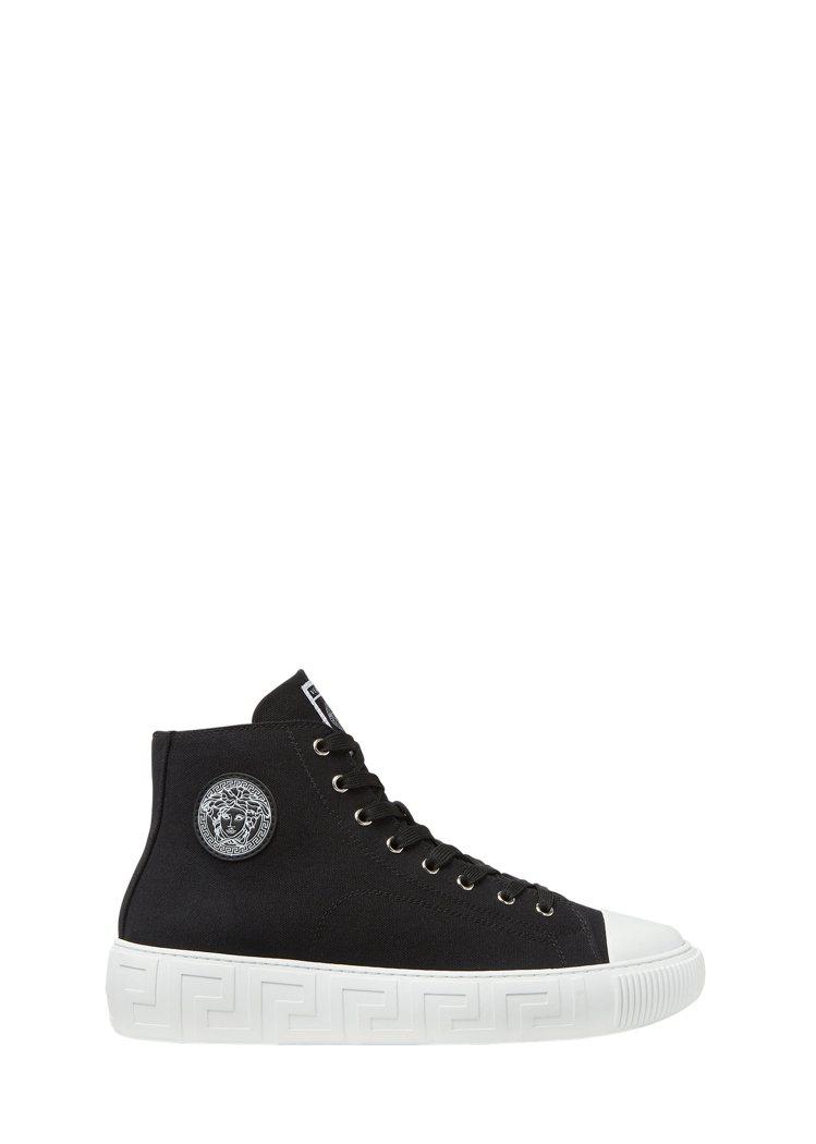 黑色高筒休閒鞋,17,500元。圖/Versace提供