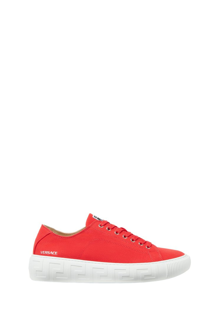 紅色低筒休閒鞋,16,500元。圖/Versace提供