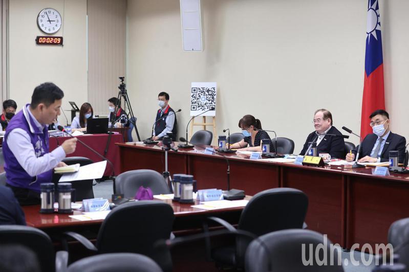 國民黨中常委謝坤宏(左一)爆料國民黨總理孫中山已經得道成仙,法號「偉慈真君」。記者蘇健忠/攝影