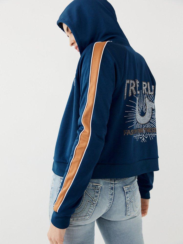 True Religion水鑽小馬蹄側邊條連帽外套6,280元。圖/俊嶽提供