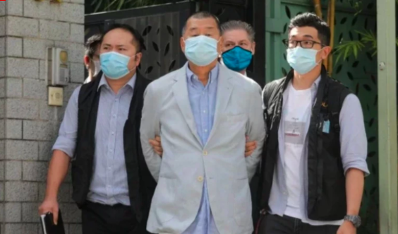 壹傳媒創辦人黎智英(中)針對前年8月18日未經批准集結案的判刑,昨提出上訴,要求撤銷定罪及減刑。聯合報系資料庫