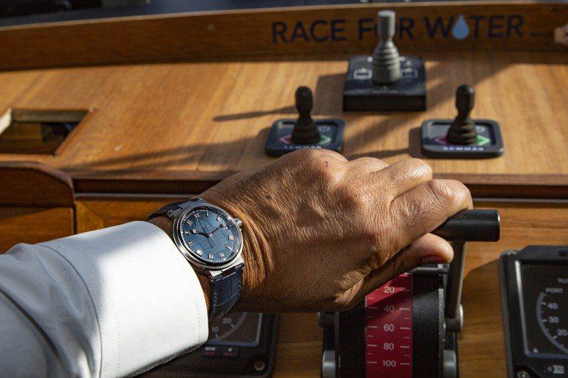 寶璣的Marine系列腕表,透過面盤波紋,展現精密時間的壯闊風貌。圖 / Breguet提供。