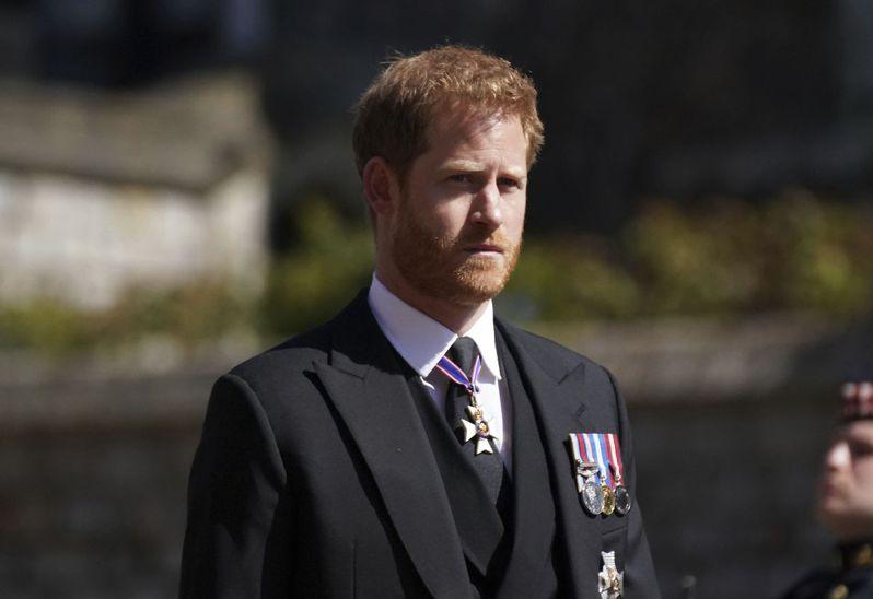 哈利王子17日參加祖父菲立普親王的葬禮。美聯社