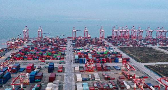 廣東省21日公布第1季經濟數據,GDP總值為人民幣2兆7,117億元,年增18.6%,略高於大陸全國18.3%的GDP增速。南方都市報