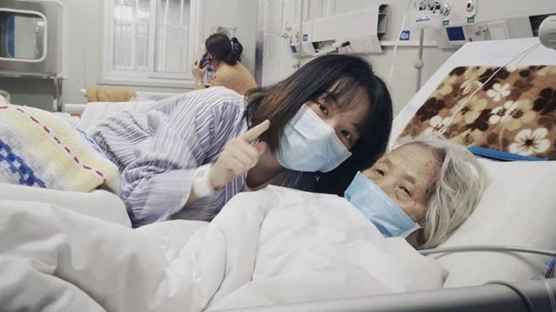 吳尚哲的外婆夏艷文,是火神山醫院首位主動捐贈遺體的新冠肺炎患者。(中國青年報)