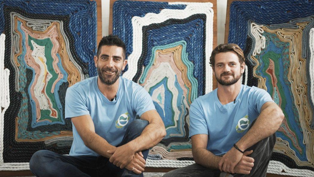 兩位定居花東的藝術家Tyler Kaplan與Joshua Campbell一同...