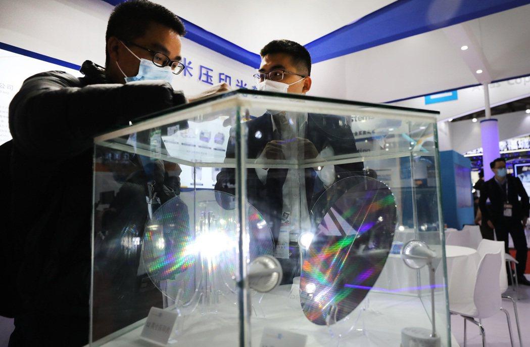 2021年3月17日,中國國際半導體展在上海開幕。 圖/新華社