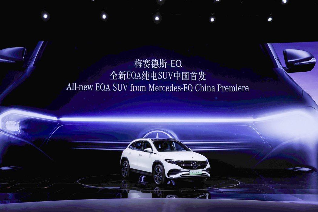 全新Mercedes-Benz EQB是賓士的第五款EQ家族純電作品。 摘自Me...