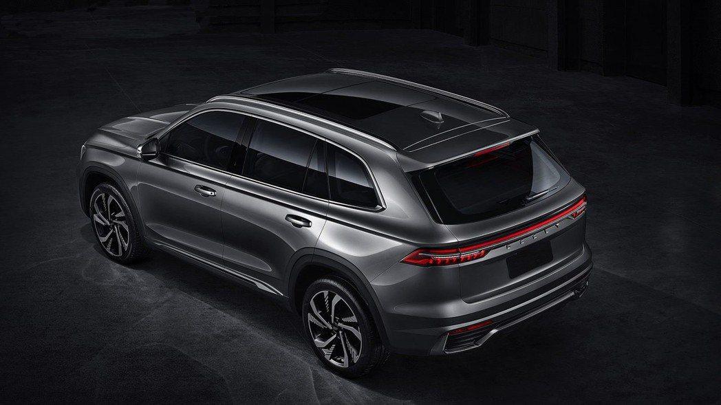 星越L使用簡潔的流線型設計,打造現代化SUV曲線。 摘自吉利汽車