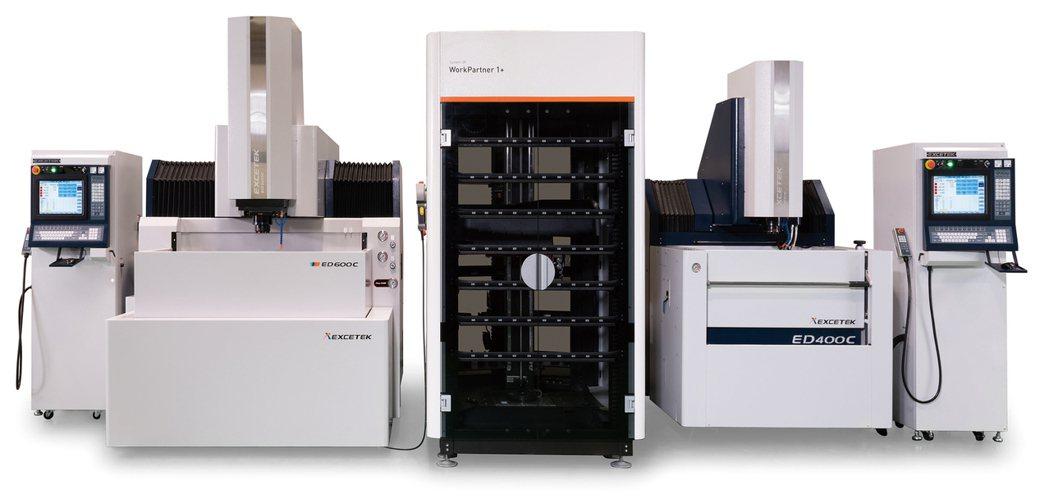 精呈科技放電加工機產線系統:ED400C+ED600C+3R工件倉儲系統。 精呈...