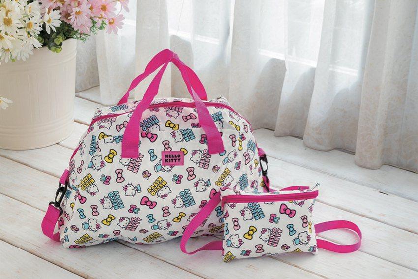 HELLO KITTY兩用設計旅行袋。 SOGO百貨中壢店/提供