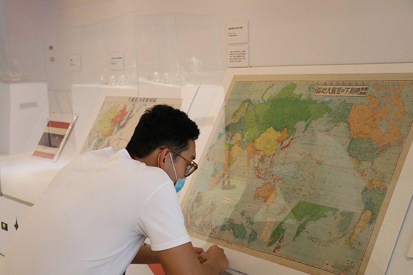 不同時期的歷史地圖,可觀察出泰國近三百年來的國際關係。 十三行博物館/提供