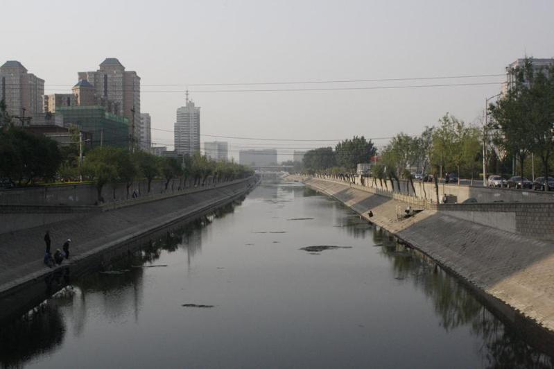中國河川污染問題遲遲未解決是一大問題。(Photo by Shinsuke Ikegame on Flicker under Creative Commons license)