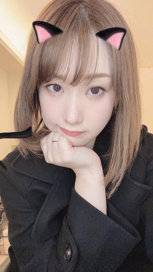 黑井愛菜雖才27歲,卻在新片演出35歲人妻。圖/摘自黑井愛菜推特