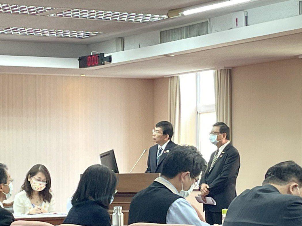 新科交通部長王國材今天說,預計三年內進行台鐵企業化。記者曹悅華/攝影