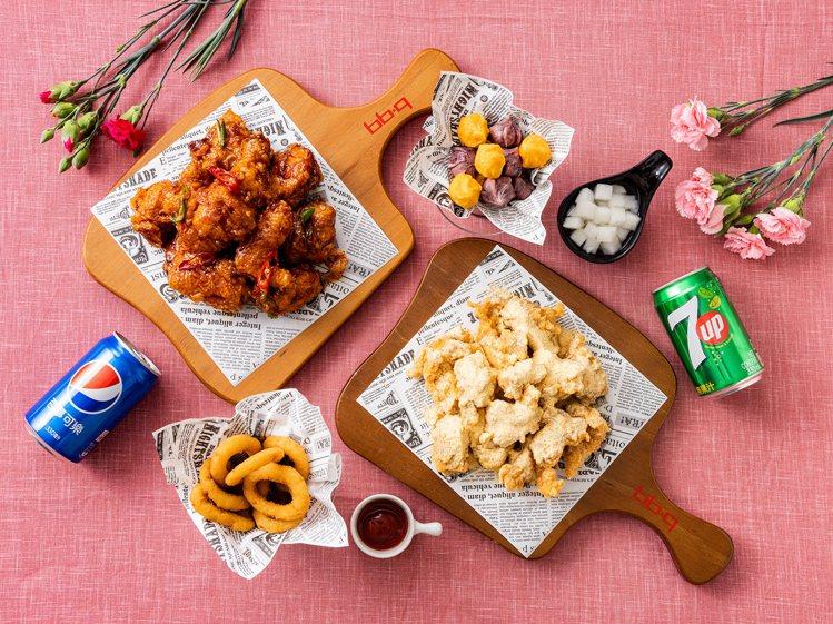 bb.q CHICKEN於旗艦店推出「母親節感恩祭套餐」,每套999元。圖/全家...