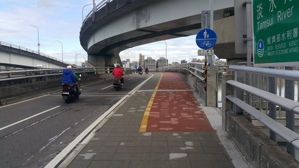 台北橋23、24日將進行路面刨鋪工程。圖/新北市工務局提供