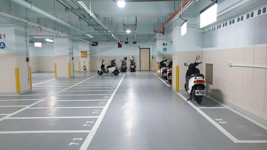 延平國小地下停車場今起啟用,首度採用「計時制里民優惠停車方案」。記者胡瑞玲/攝影