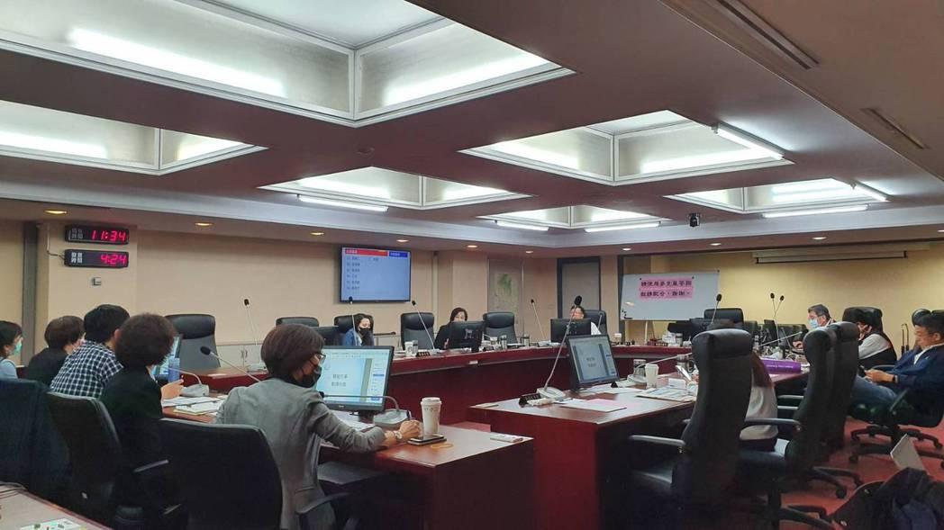 北市法務局上午至議會進行工作報告。記者楊正海/攝影