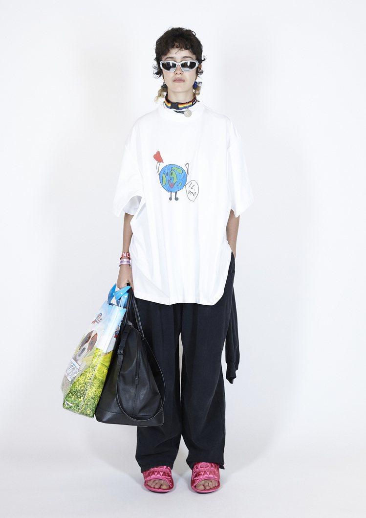 Balenciaga夏季21 Pre-collection系列,93.5%的原材...