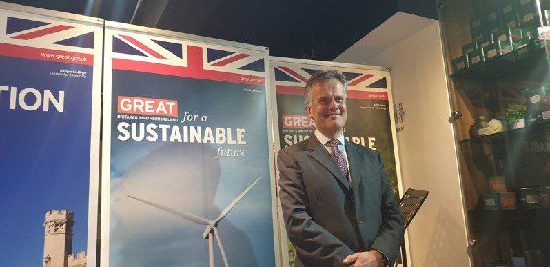 鄧元翰先生 (John Dennis)今(22)日上任100日,選擇在世界地球日對外說明來台主要任務,期盼英國與台灣在自由民主、貿易投資及對抗氣候變遷等領域密切合作。圖/記者鍾泓良攝影