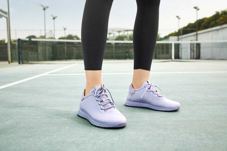 ECCO ST.1適動系列鞋6,680鞋。圖/ECCO提供