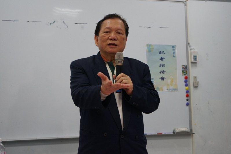 原任花蓮醫師公會理事長的鄒永宏,今天回應公會對他的指控,強調都非事實,並宣布辭職自清。記者王燕華/攝影