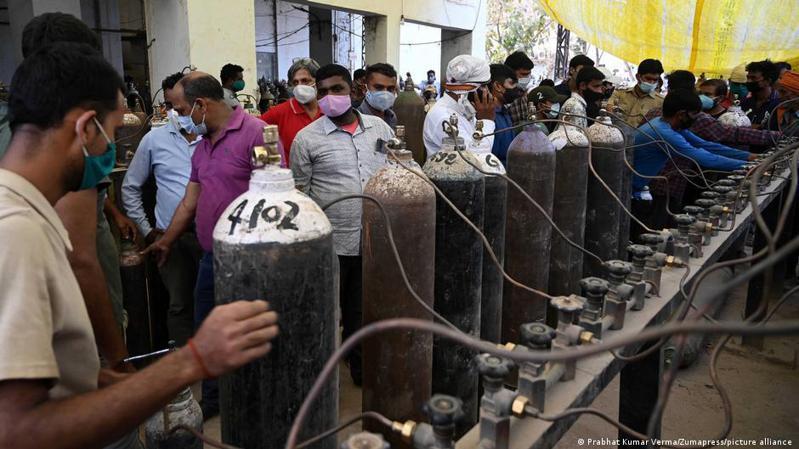 印度本周四(4月22日)新增確診314,835例,為新冠疫情爆發以來全球各國中單日新增之最。圖/德國之聲中文網